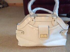 Ladies white Guess handbag NEW