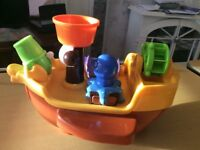 TOMY - PIRATE SHIP - Baby/Child/Toddler Squirting Bath Activity Toy