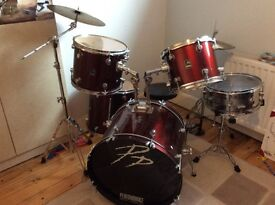 Drum kit suitable for beginner up...