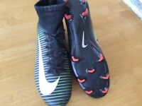 NIKE MERCURIAL SPORTS TRAINERS SIZE 8 £5