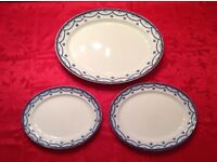 3 Oval plates