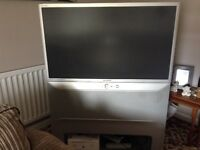 Samsung rear projection television , complete unit with stand , good working order