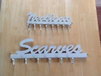 Set of hanging hooks for scarves and necklaces