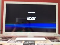 Toshiba 24 inch Ultra Slim HD LED TV built in DVD, Freeview, USB great condition