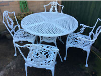 Metal Table and 4 Chairs in great condition
