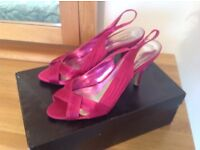 Size 4 hot pink satin special occasion shoes, in excellent condition