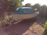 """14' 6"""" Day/Fishing Boat"""