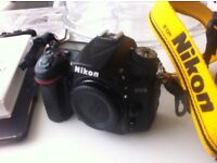 Nikon D7200 DSLR for Sale Inc Lighting Equipment & 2 New Lens