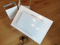 Brand new Maan Vertical Cooker Hood. Un-used in orginal box. Less than half price £35