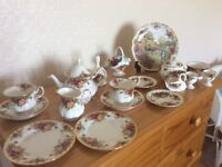 Various Royal Albert Country Roses collection