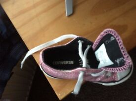 Converse pink girl shoes