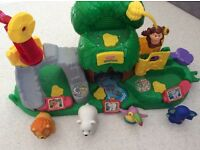 Lovely sets of Fisher Price Little people. Great condition.
