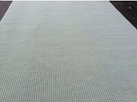Fantastic wool rug, brand new 10 ft 8 x 8 ft 9 bargain £100