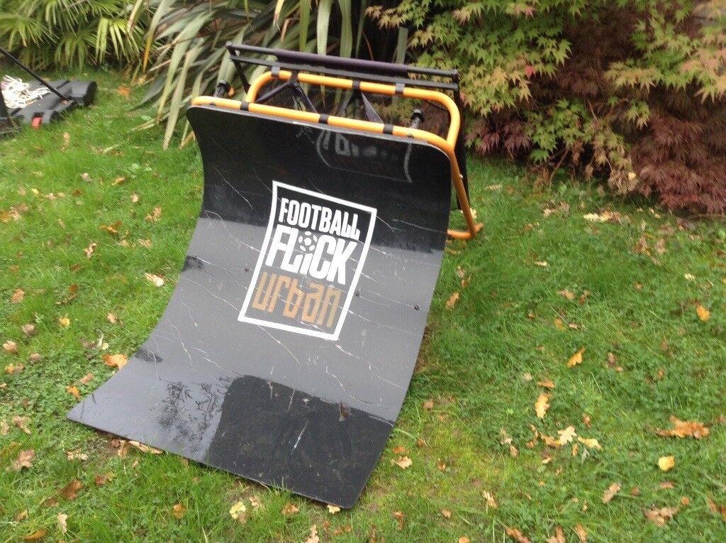 Urban football flick