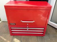 CLARKE toolchests 2 PARTS WITH 9 DRAWS VERY CLEAN WITH KEYS £90ono
