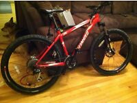 SPECIALIZED ROCKHOPPER MOUNTAIN BIKE FRONT SUSPENTION, 28 GEARS, HYDRULIC BRAKES, EX CON £250NOTEXTS
