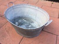 Vintage zinc bath