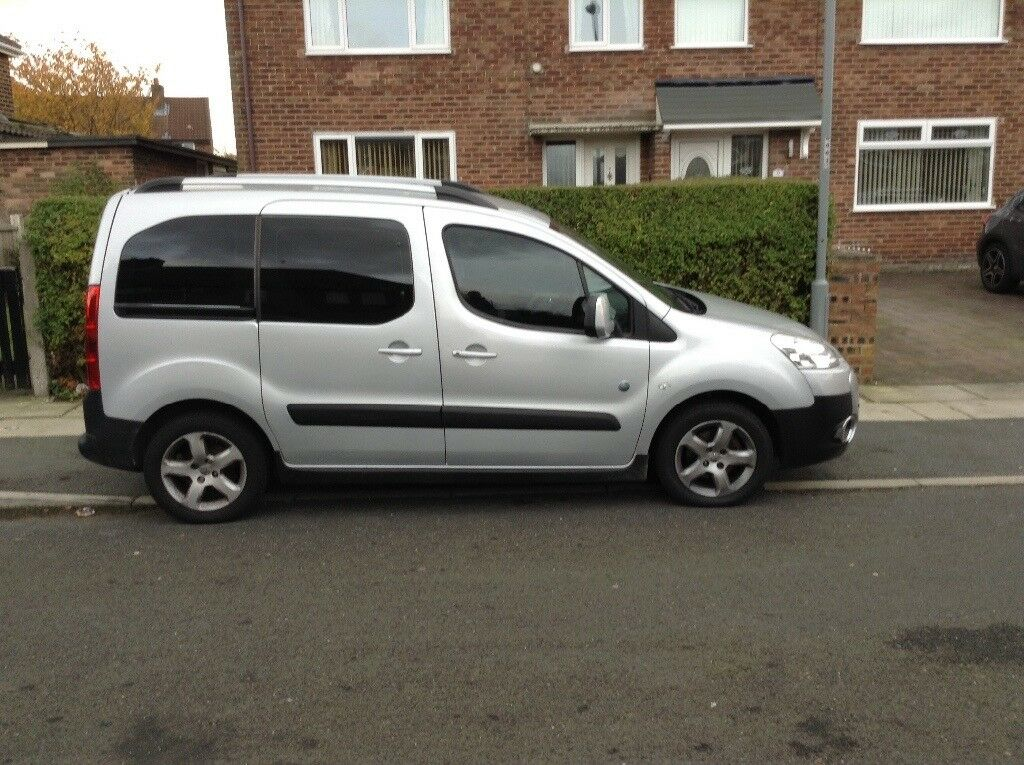 Peugeot partner tepee 2011 61 low miles bargain at only £3650 Ono not transit Berlingo