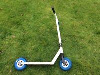 Crisp dirt scooter