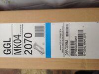 VELUX GGL 2070 MK04 78 X 98 WHITE PAINTED CENTRE PIVOT ROOF WINDOW & FLASHING KIT EDP 0000 MK04