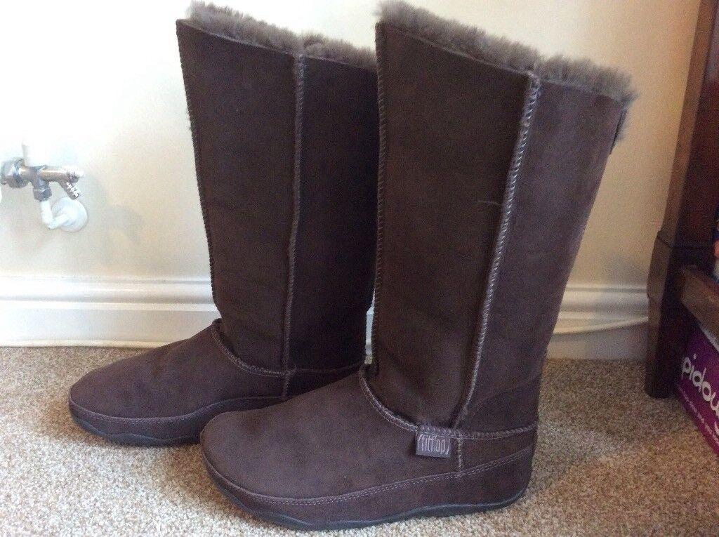 b411668f4a1 Brand New Fitflop Sheepskin Boots