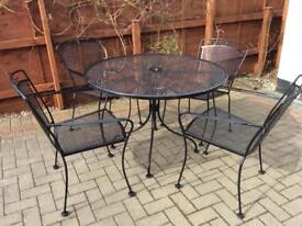 Garden table/chairs