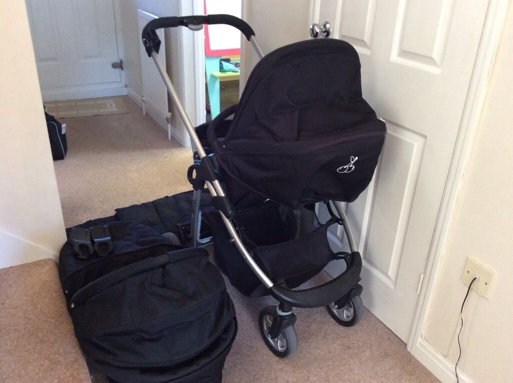 I candy pram and carry cot