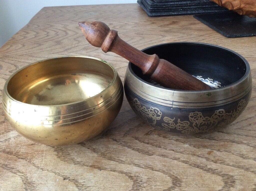 Pair of Tibetan signing bowls