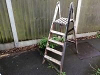 VINTAGE 5 TREAD 1400mm FOLDING WOODEN STEP LADDERS