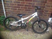 Boys Wham Mountain Bike 6 Speed)0(age 5-8)