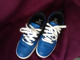 Blue Size 4 Boys fun trainers with wheels