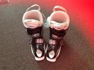 Atomic Livefit 65 Downhill Ski Boots (sku: Z13319)