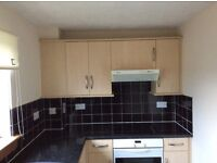 2 bed top floor flat newly decorated
