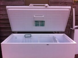 LARGE SIZE SCANDINOVA CHEST FREEZER IN GOOD WORKING CONDITION