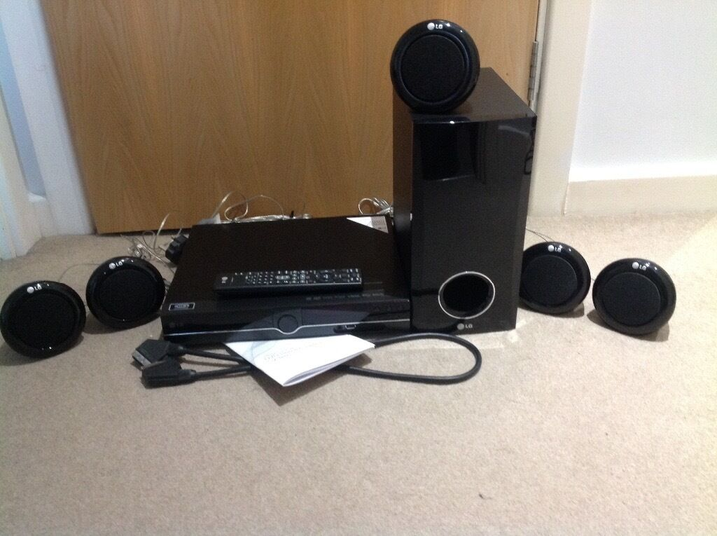 LG HT356SD 5.1 DVD Home Theatre System DVD Player and Speakers