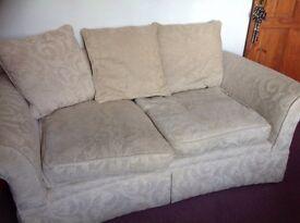 Cream Sofa/settee
