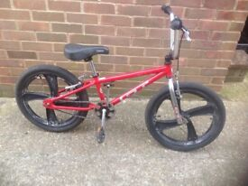 GT BMX Cycle with Mag Wheels