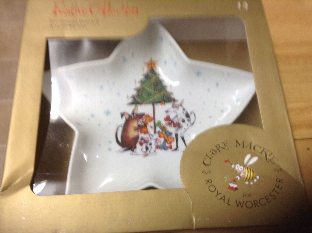 ROYAL WORCESTER STAR SHAPED BOWL