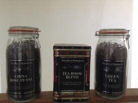 Tea caddy Taylor's tea display