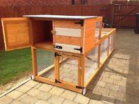 Rabbit hutches/hen house / chicken coop