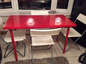 Retro high gloss dining table