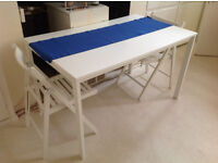 Fantastic dining room table and two chairs in perfect condition + free Ikea Lack table