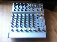 Behringer Eurotrack MX 802A with Flight Case.
