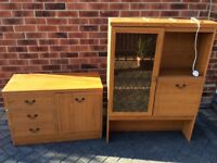 A very nice piece of furniture grab your self a bargain.