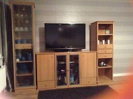 Beech veneer 3 piece Tv storage/display unit in very good condition