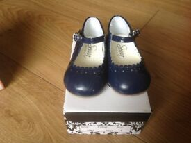 Sevva blue shoes size infant 4
