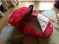 Maxi cosy bassinet (+pushchair if ur quick!!)