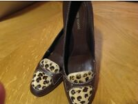 Brand NEW ladies brown leather shoes. Size 6