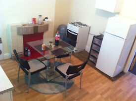 2 BED ROOM HOUSE FULLY FURNISHED NEAR BRIERCLIFFE ROAD BURNELY