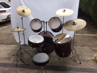 CB drum kit with stagg cymbals